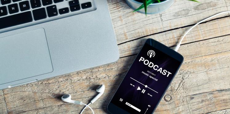 ecoute d'un podcast sur son téléphone